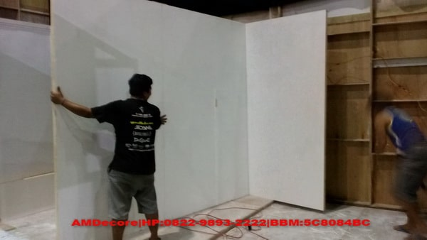 foto pengerjaan on site boot stand pameran ESDM