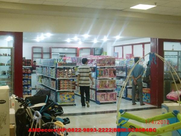 foto Tampak Depan interior toko mainan Stars Toys
