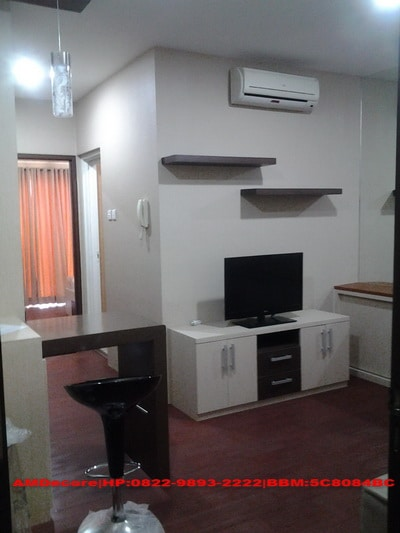 foto interior ruang tamu paket apartemen 2 bed room full furnish