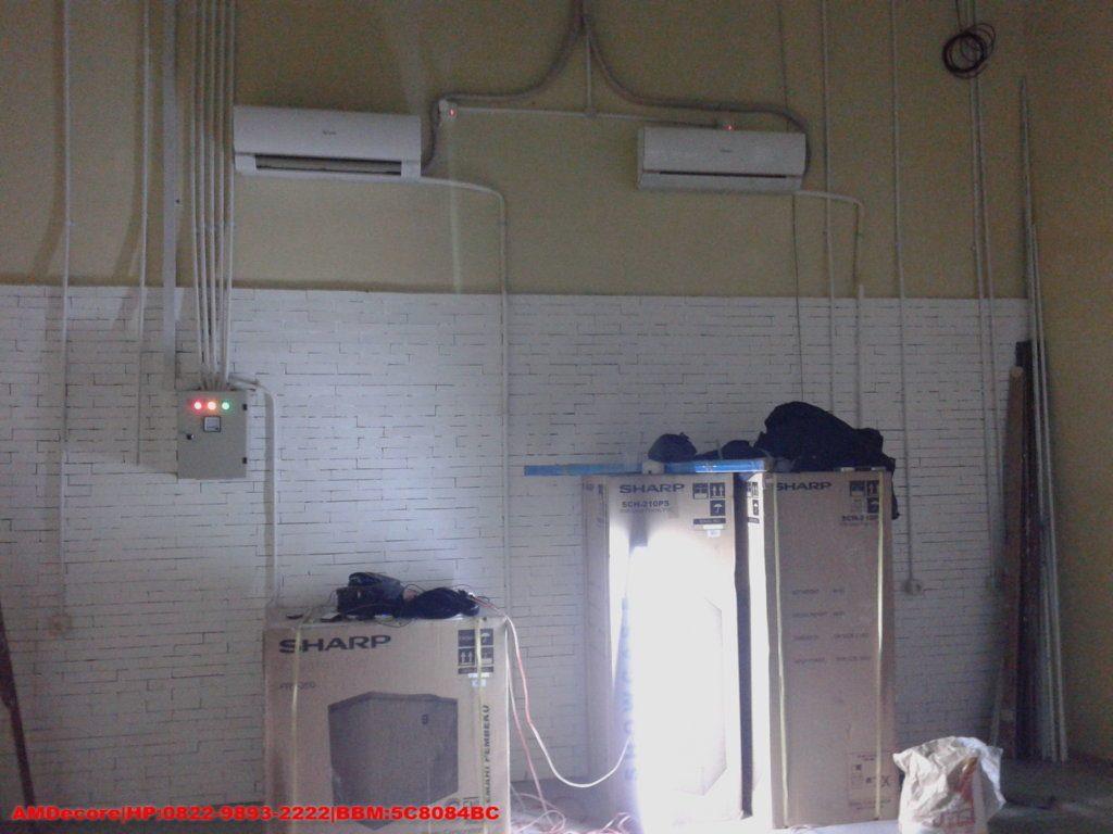 Gambar Proses pekerjaaan kelistrikan interior cafetaria