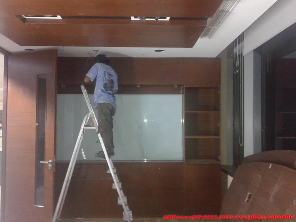 gambar instalasi-listrik-ruang-meeting-renovasi-interior-kantor-trakindo