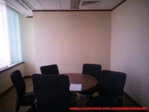 gambar renovasi-interior-kantor-trakindo-ruang-tunggu-tamu